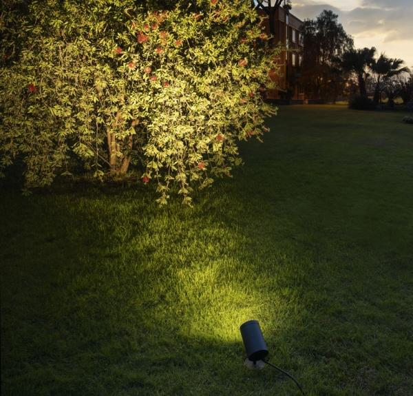 30429-Gartenstrahler-IP55-Ambiente