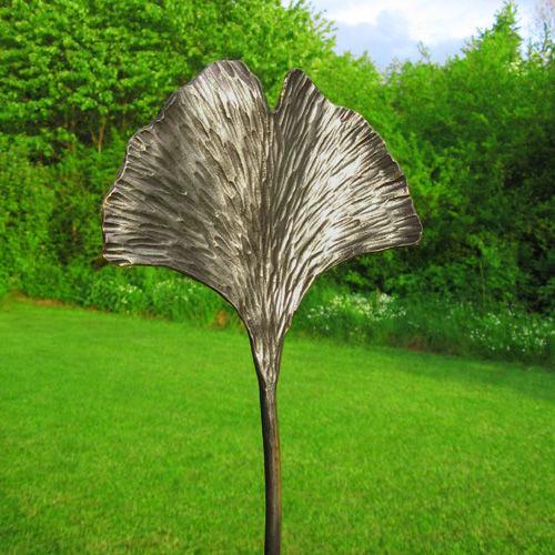 30250-Gartenstecker-Gingkoblatt-aus-Eisen