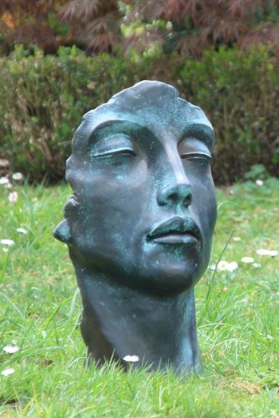94718-Frauengesicht-Bronzeoptik