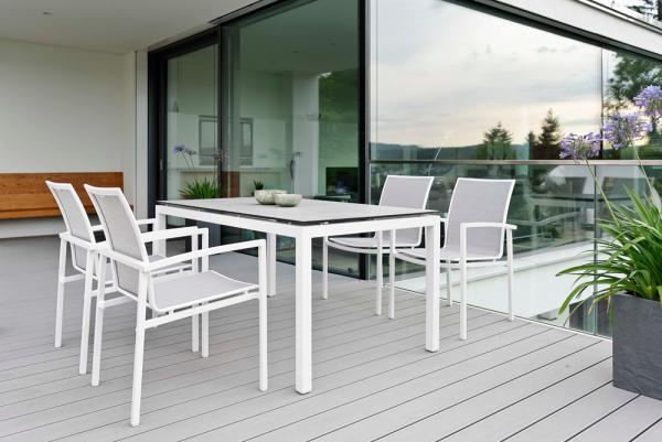 Stühle aus Aluminium mit Textilbespannung