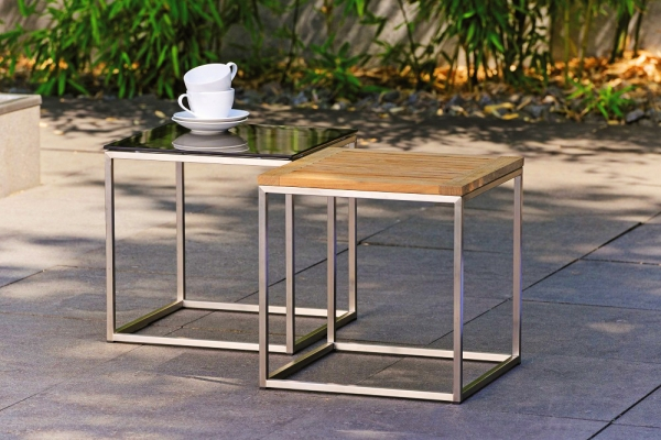 11305-11306-Beistelltische-Teak-Glasplatte-Ambiente
