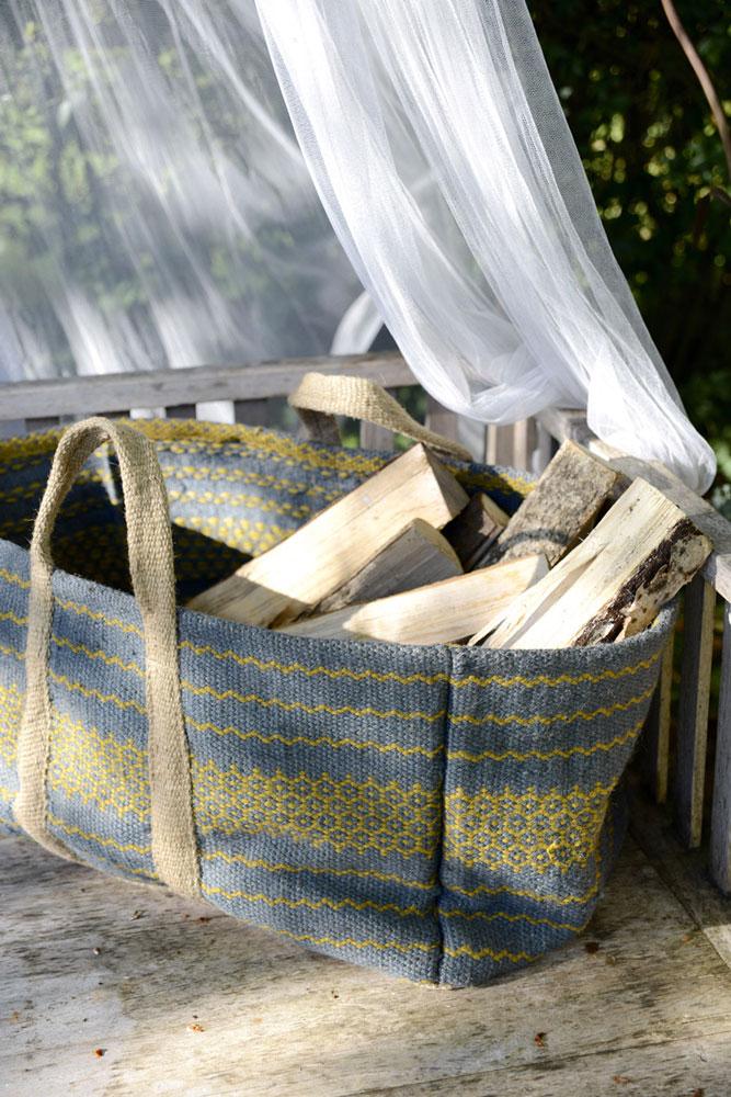 kaminholztasche aus jute woodsteel sch ne dinge f r. Black Bedroom Furniture Sets. Home Design Ideas