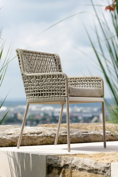 Dining-Sessel aus wetterfestem Schnurgeflecht