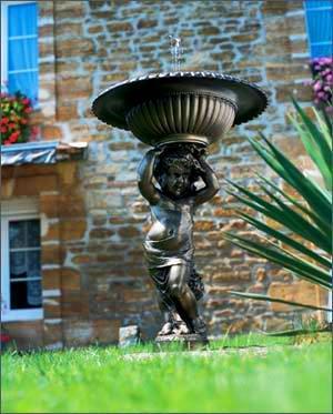 30207-Springbrunnen-Angelo-Bronze