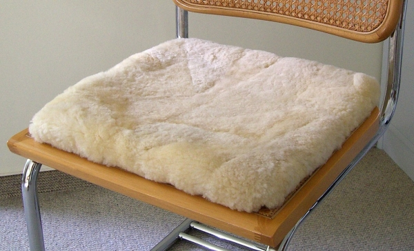 Sitzkissen aus echtem Schaffell
