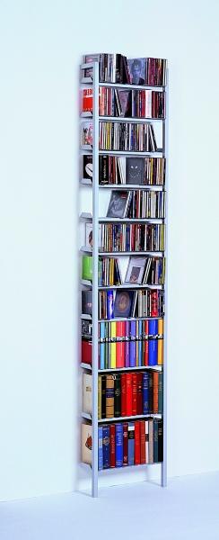Bücher- und CD-Regal