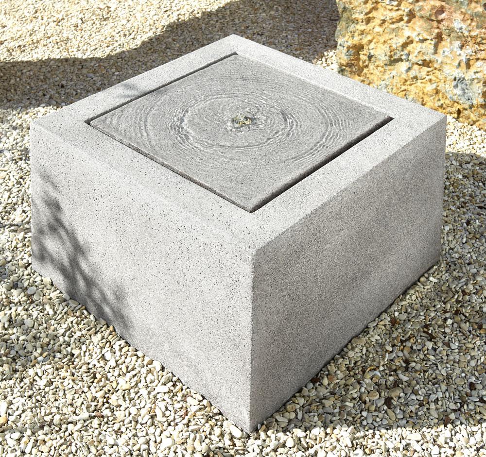 quadratischer brunnen aus fiberglas woodsteel sch ne. Black Bedroom Furniture Sets. Home Design Ideas