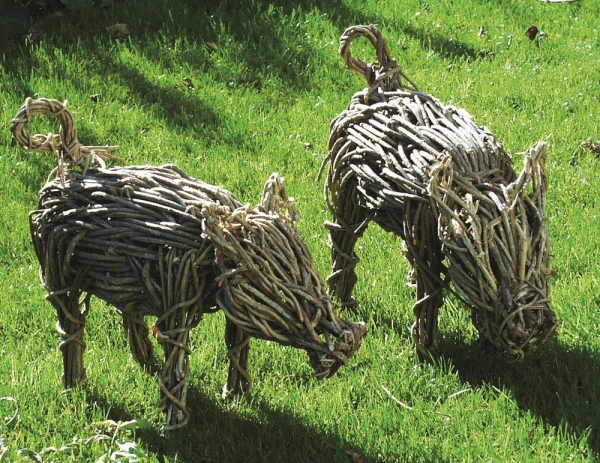 Gartendeko Aus Weidengeflecht, schwein harry gartendekoration aus naturgeflecht | woodsteel, Design ideen