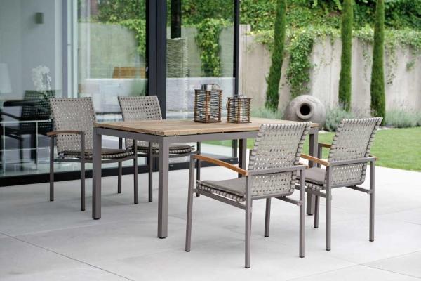 Tisch 160 mit Teakholz-Tischplatte