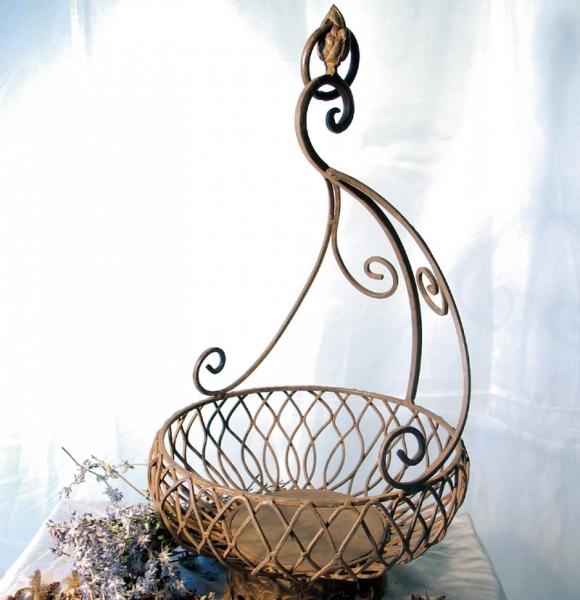 Blumenkorb aus Eisen zum Hängen