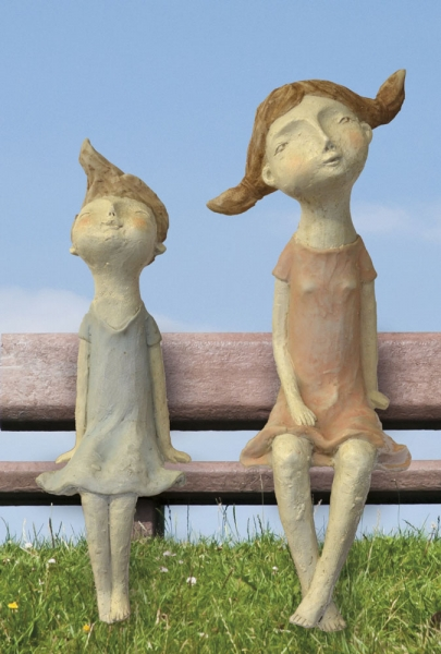 Künstlerfigur Anna (rechts)