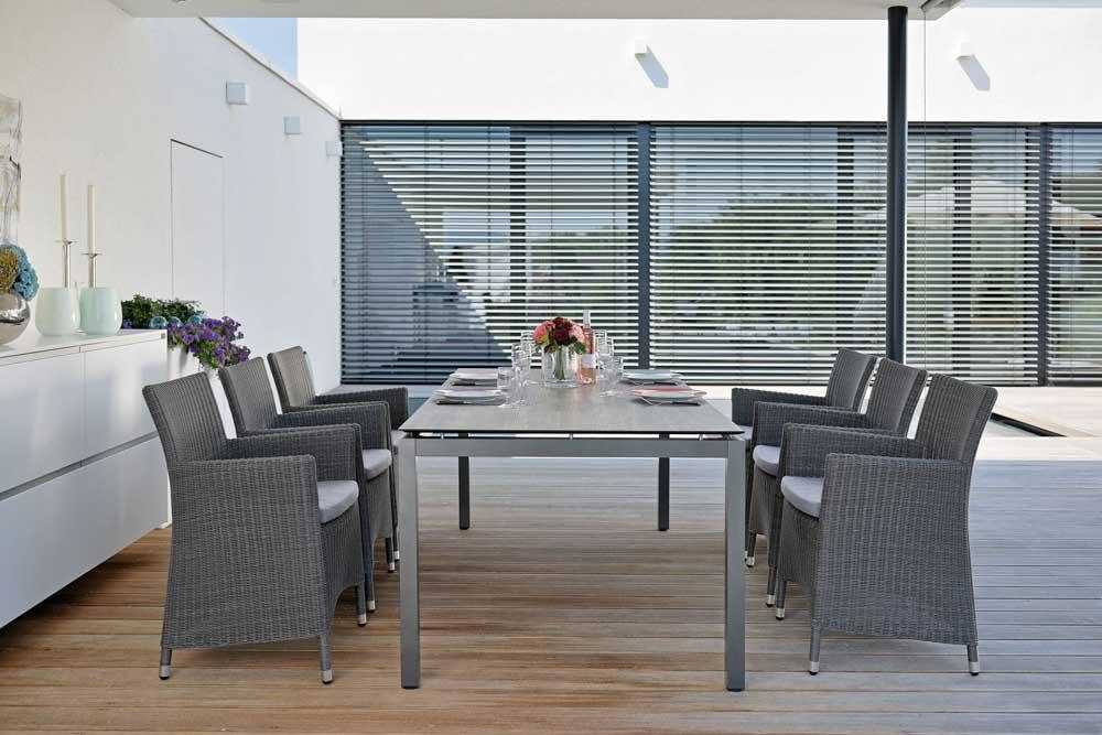 tisch mit aluminiumgestell woodsteel sch ne dinge f r haus und garten. Black Bedroom Furniture Sets. Home Design Ideas
