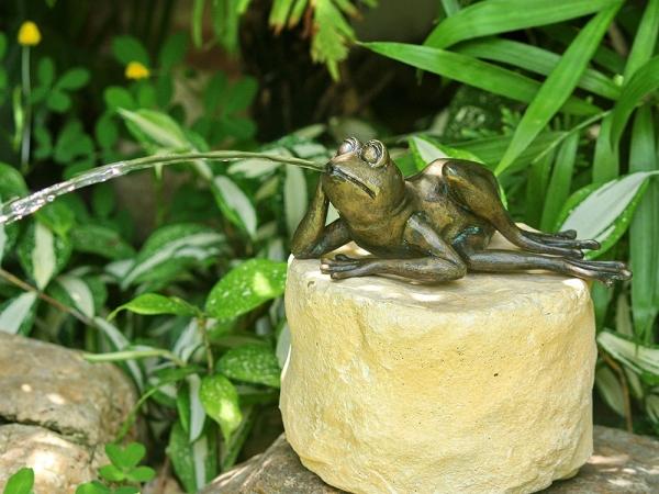 Frosch Klaus, Bronze-Skulptur