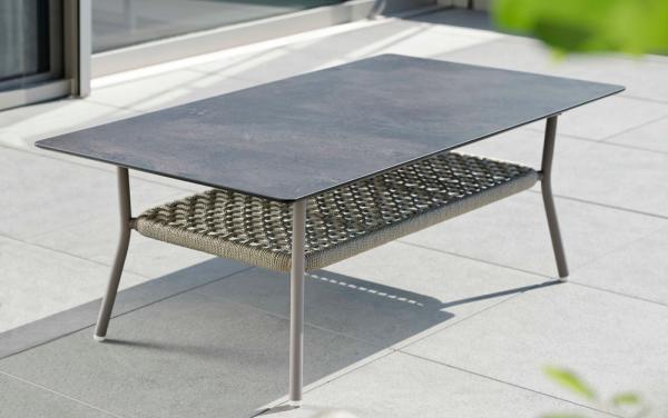 Lounge-Tisch